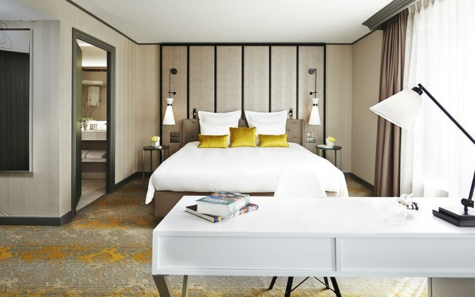 Renaissance Paris La Defense Hotel, A Marriott Luxury & Lifestyle Hotel, Puteaux (2)