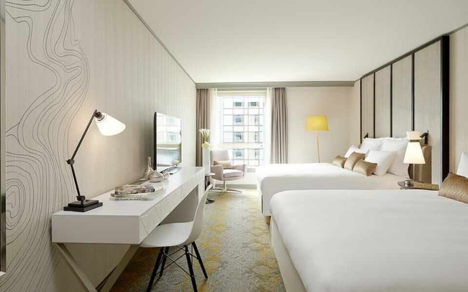 Renaissance Paris La Defense Hotel, A Marriott Luxury & Lifestyle Hotel, Puteaux (4)