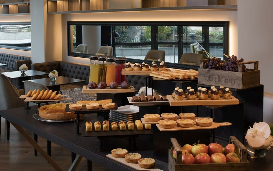 Renaissance Paris La Defense Hotel, A Marriott Luxury & Lifestyle Hotel, Puteaux (5)