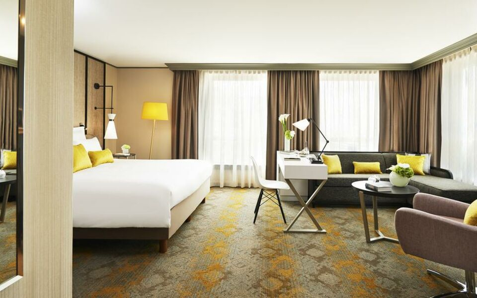 Renaissance Paris La Defense Hotel, A Marriott Luxury & Lifestyle Hotel, Puteaux (15)
