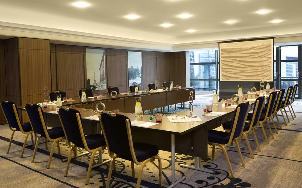 Renaissance Paris La Defense Hotel, A Marriott Luxury & Lifestyle Hotel, Puteaux (16)