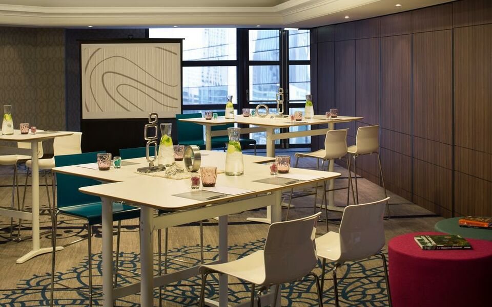 Renaissance Paris La Defense Hotel, A Marriott Luxury & Lifestyle Hotel, Puteaux (17)