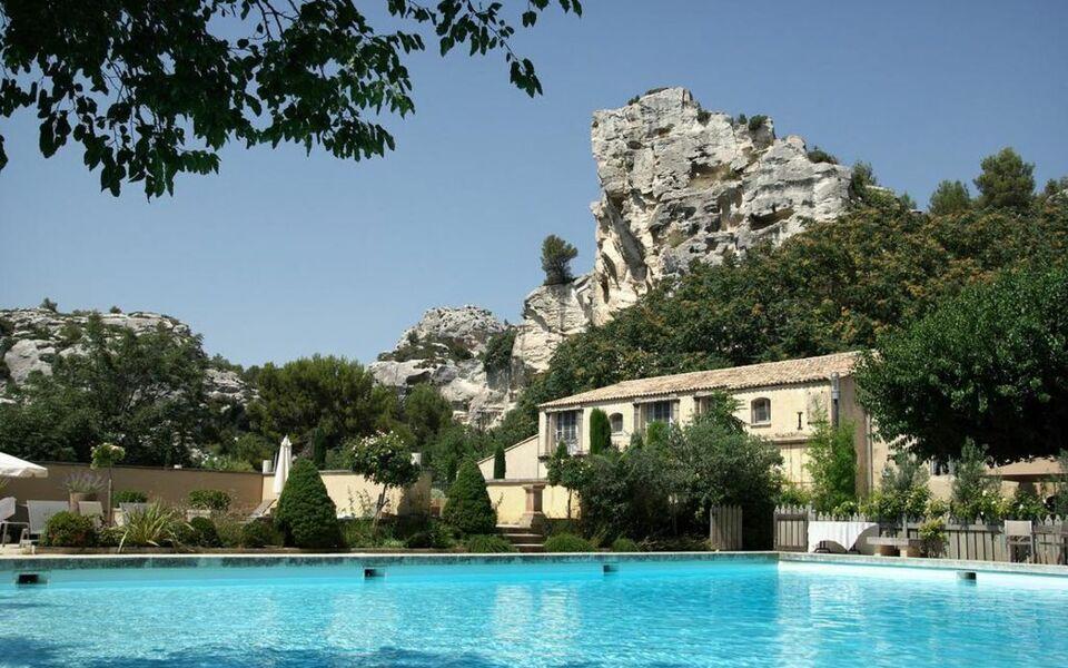 Baumani re les baux de provence a design boutique hotel for Hotel design provence