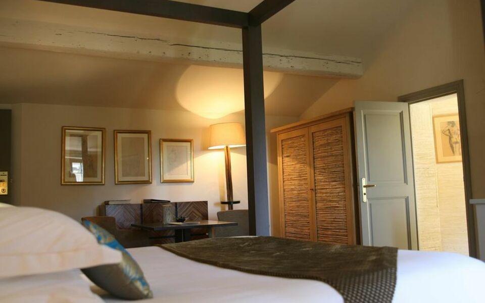 Baumani re les baux de provence a design boutique hotel for Design ce hotel