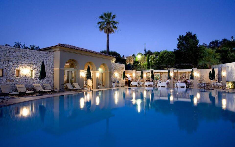 Le mas candille a design boutique hotel mougins france for Design hotels south of france