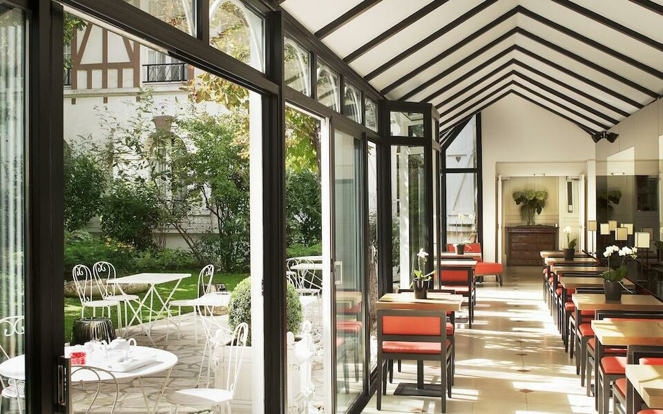 le jardin de neuilly neuilly sur seine france my boutique hotel. Black Bedroom Furniture Sets. Home Design Ideas