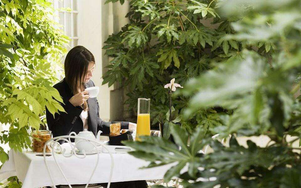 Le jardin de neuilly neuilly sur seine frankreich for Restaurant le jardin neuilly