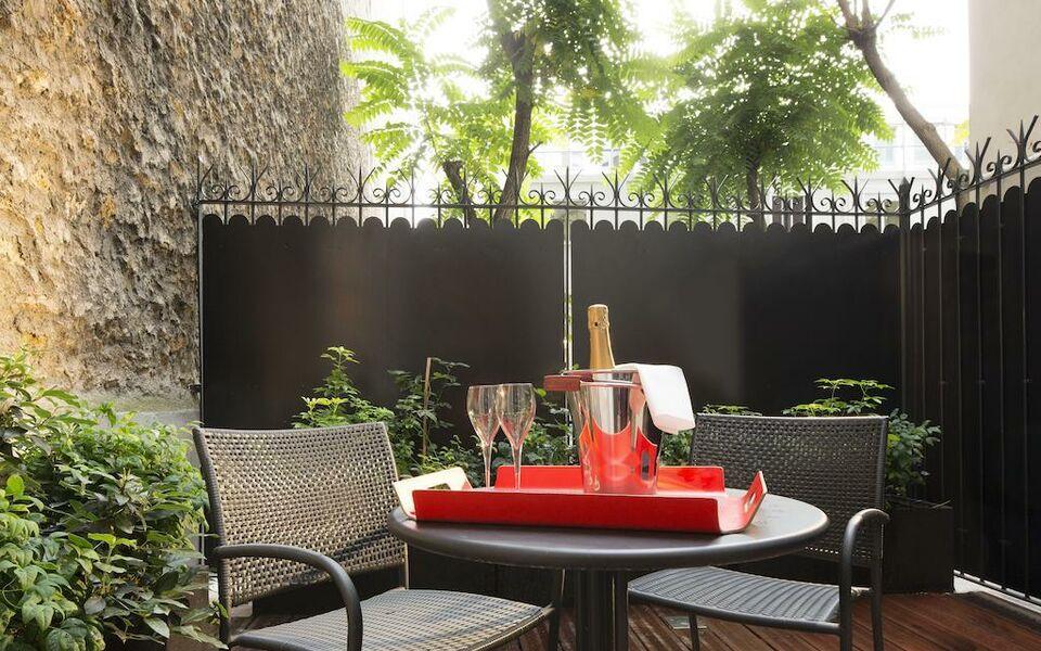 platine hotel parigi francia. Black Bedroom Furniture Sets. Home Design Ideas
