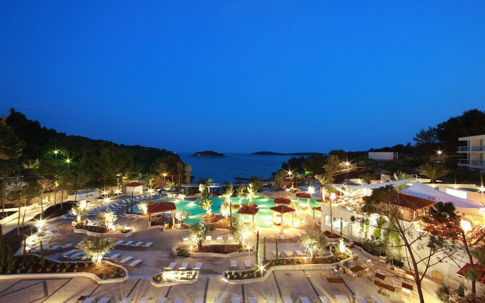 Amfora Hvar Grand Beach Resort, Hvar (12)