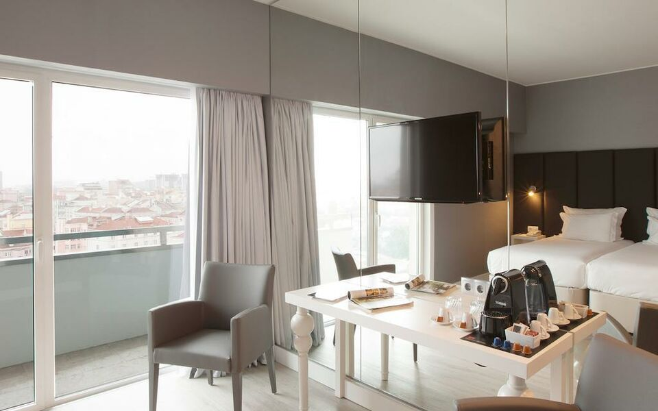 Lutecia Smart Design Hotel, Lisbon (6)
