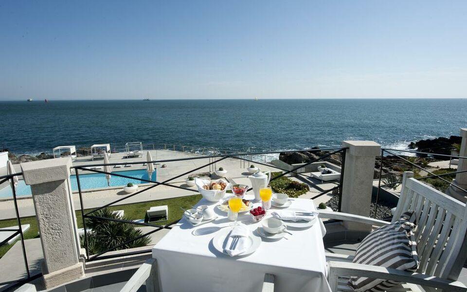farol hotel a design boutique hotel cascais portugal. Black Bedroom Furniture Sets. Home Design Ideas