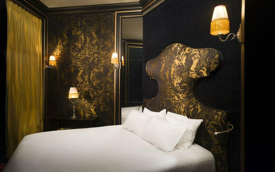 Maison souquet a design boutique hotel paris france for Boutique decoration maison