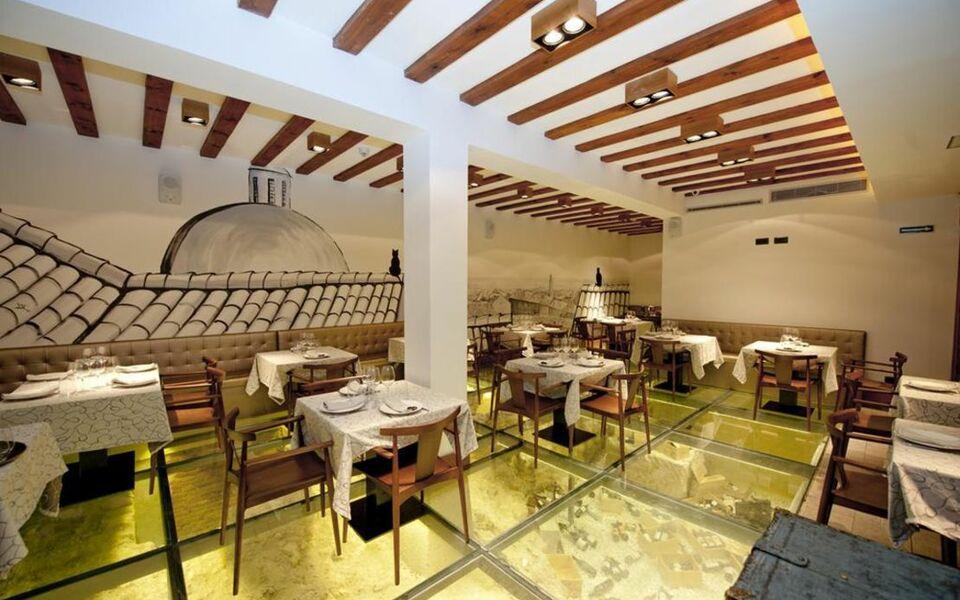 Posada del le n de oro boutique hotel a design boutique for Design boutique hotel madrid