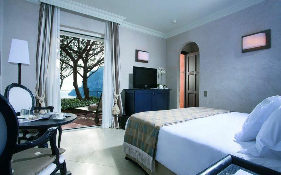 Hotel punta tragara a design boutique hotel capri italy for Boutique hotel capri