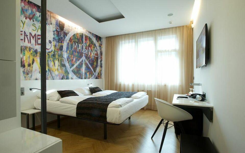 Mosaic house a design boutique hotel prague czech republic for Boutique accommodation prague