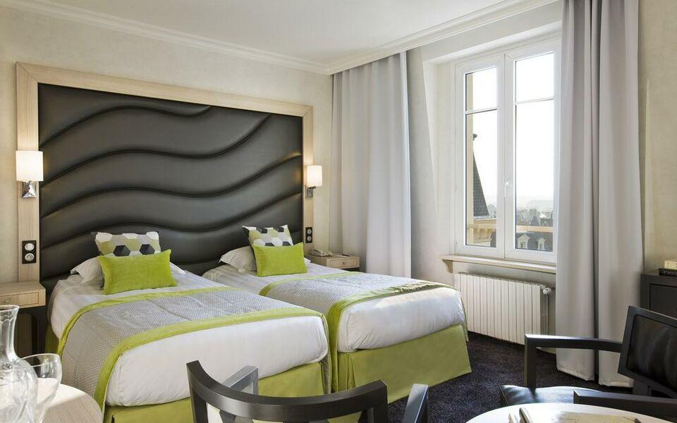 Grand h tel des thermes a design boutique hotel saint for Hotel design sud france
