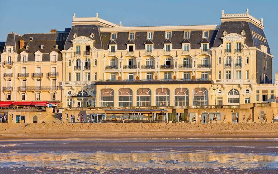 Le Grand Hotel Cabourg - MGallery by Sofitel, Cabourg (1)