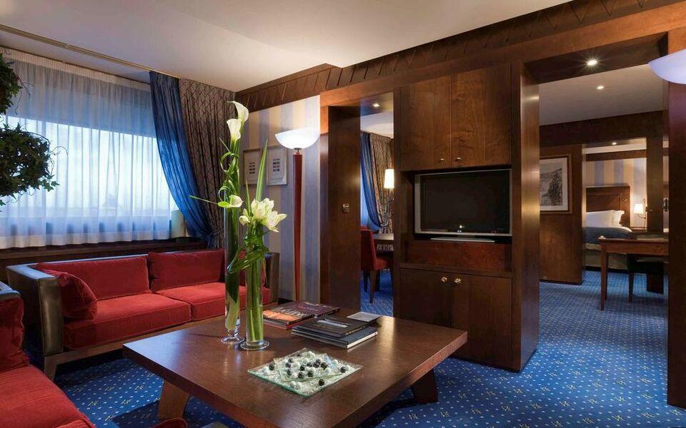 Sofitel lyon bellecour a design boutique hotel lyon france for Design boutique hotel lyon