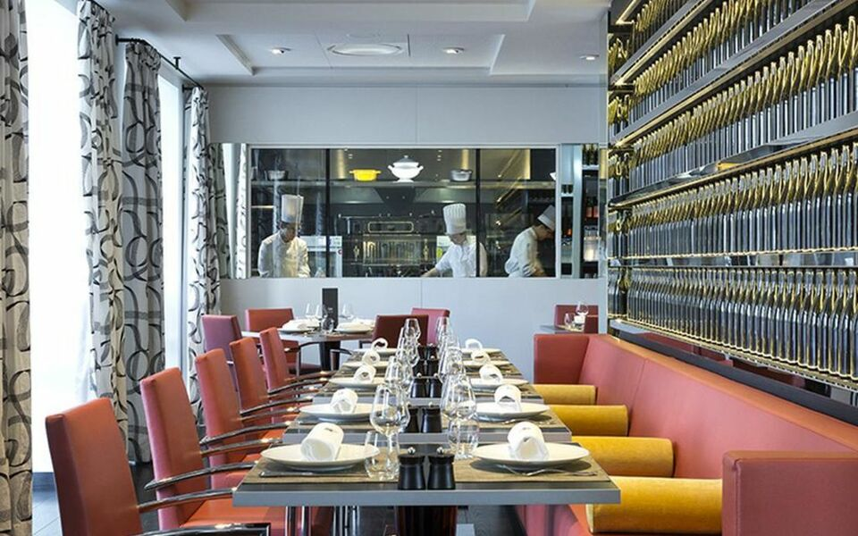 Hotel le royal lyon mgallery by sofitel lyon france for Design boutique hotel lyon