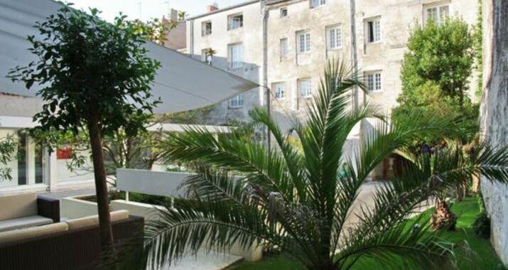 H tel r sidence de france a design boutique hotel la for Hotel design en france