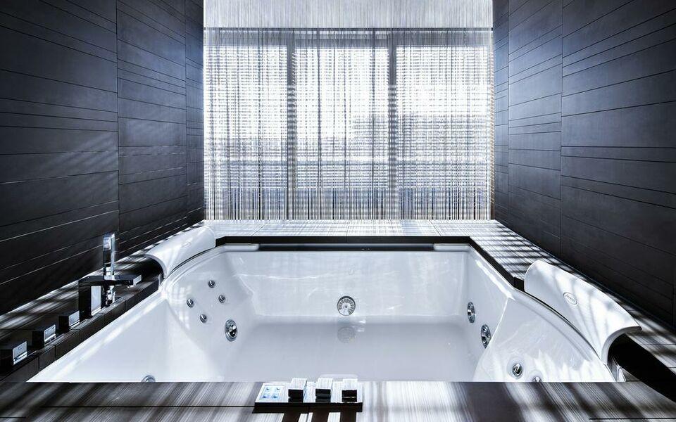 the mandala hotel berlin deutschland. Black Bedroom Furniture Sets. Home Design Ideas