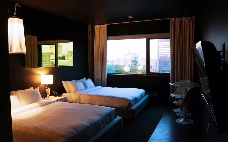 hotel zero 1 montreal montr al canada my boutique hotel. Black Bedroom Furniture Sets. Home Design Ideas