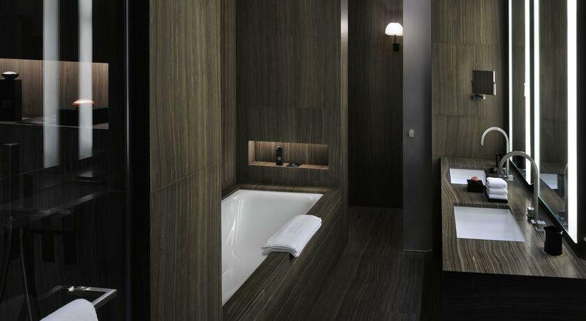 Armani hotel dubai a design boutique hotel dubai united for Bathroom designs dubai
