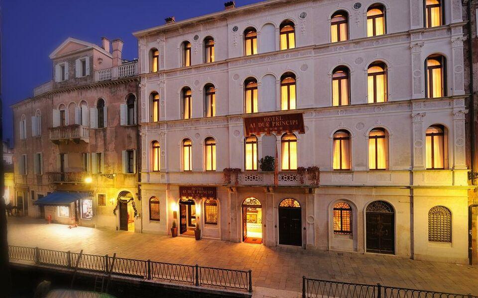 Hotel ai due principi a design boutique hotel venice italy for Design hotel venezia
