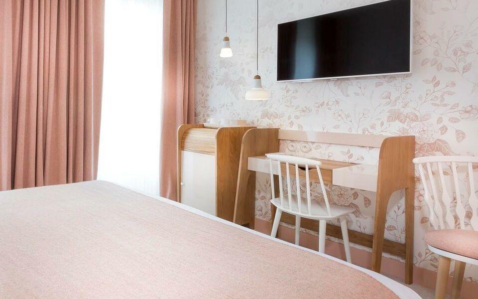 hotel le lapin blanc paris frankreich. Black Bedroom Furniture Sets. Home Design Ideas