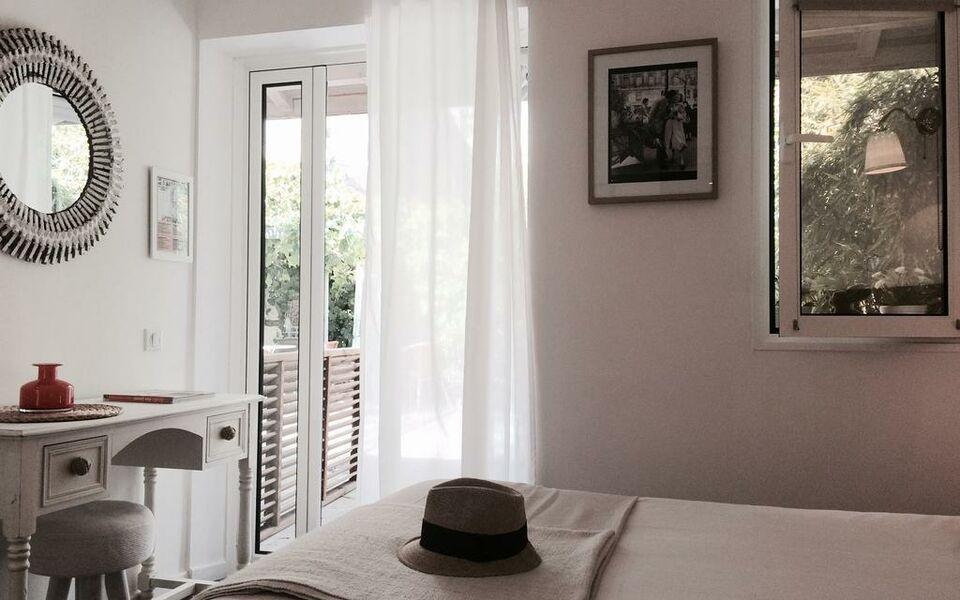 h tel la maison du lierre bordeaux centre a design boutique hotel bordeaux france. Black Bedroom Furniture Sets. Home Design Ideas