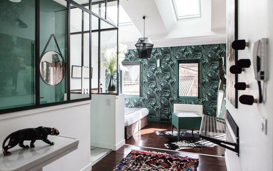 une chambre chez dupont bordeaux france my boutique hotel. Black Bedroom Furniture Sets. Home Design Ideas