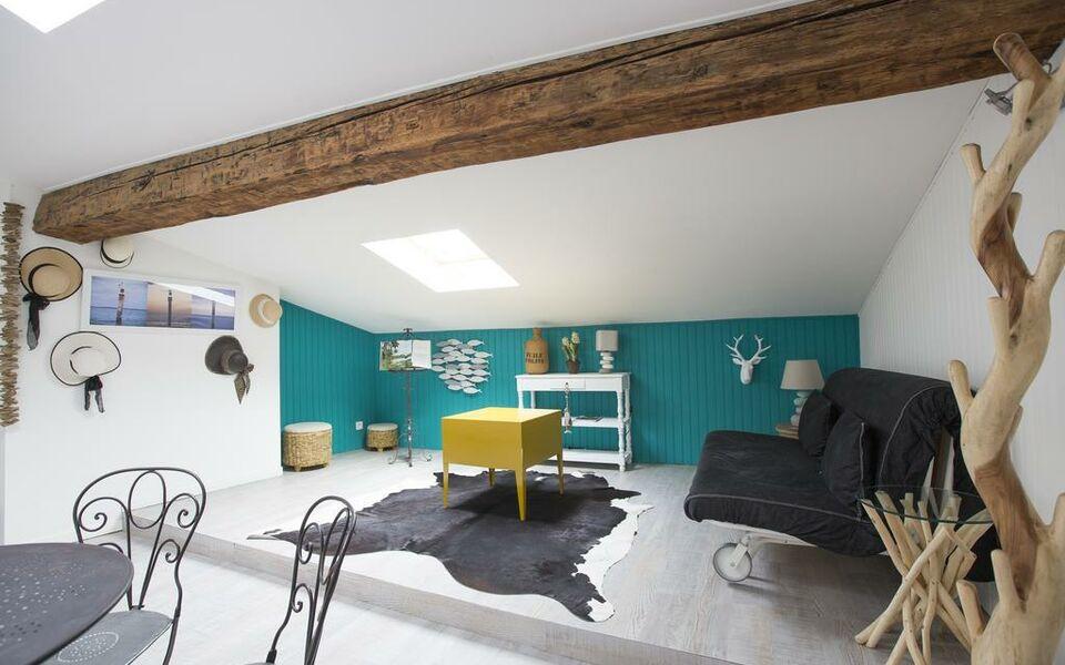 une chambre chez dupont bordeaux frankreich. Black Bedroom Furniture Sets. Home Design Ideas