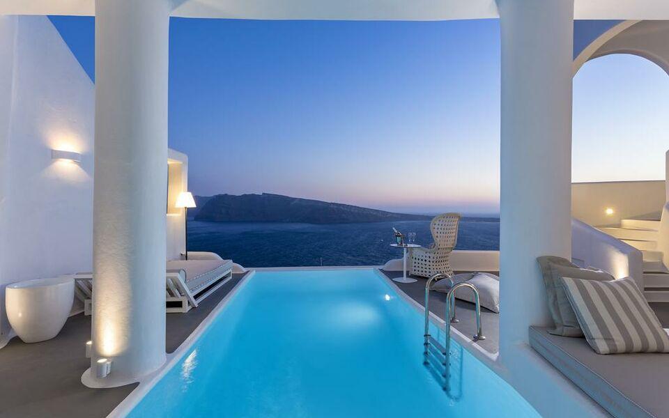 Charisma suites a design boutique hotel santorini greece for Boutique hotel oia