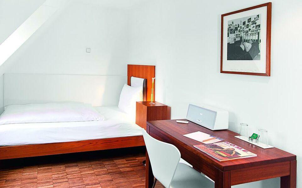 hopper hotel st antonius a design boutique hotel k ln germany. Black Bedroom Furniture Sets. Home Design Ideas