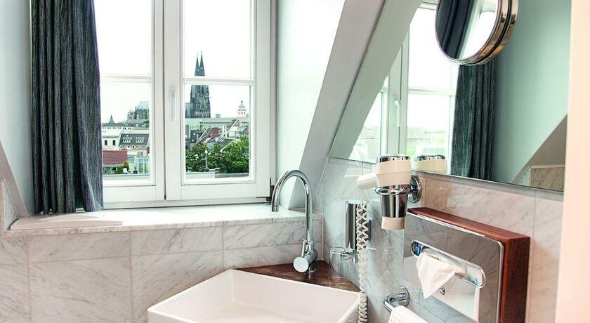 ... - hansen innenarchitektur materialberatung - Birgit Hansen, Köln