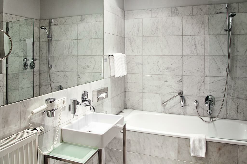 hopper hotel st antonius k ln alemania. Black Bedroom Furniture Sets. Home Design Ideas