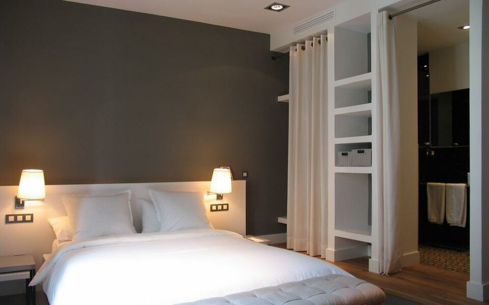 the5rooms a design boutique hotel barcelona spain. Black Bedroom Furniture Sets. Home Design Ideas