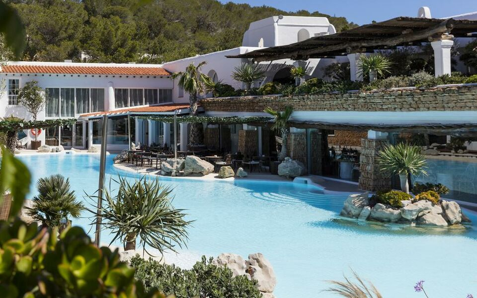 Hotel hacienda na xamena a design boutique hotel ibiza spain for Boutique hotel ibiza