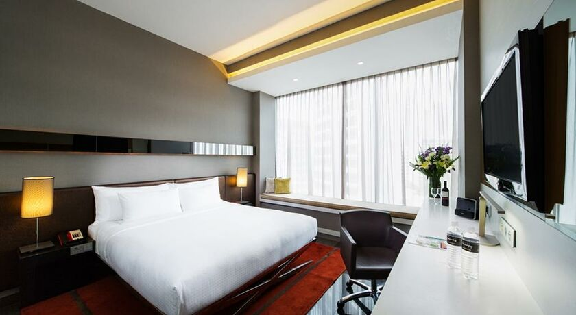 The quincy hotel by far east hospitality singapore singapur for Schreibtisch quincy