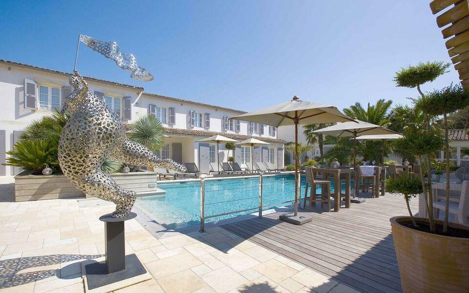 Le clos saint martin h tel spa a design boutique hotel for Hotel design piscine ile de france