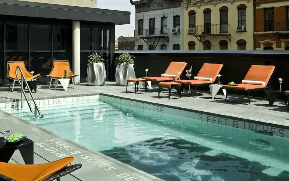 Sixty les a design boutique hotel new york city u s a for Garden city pool new york