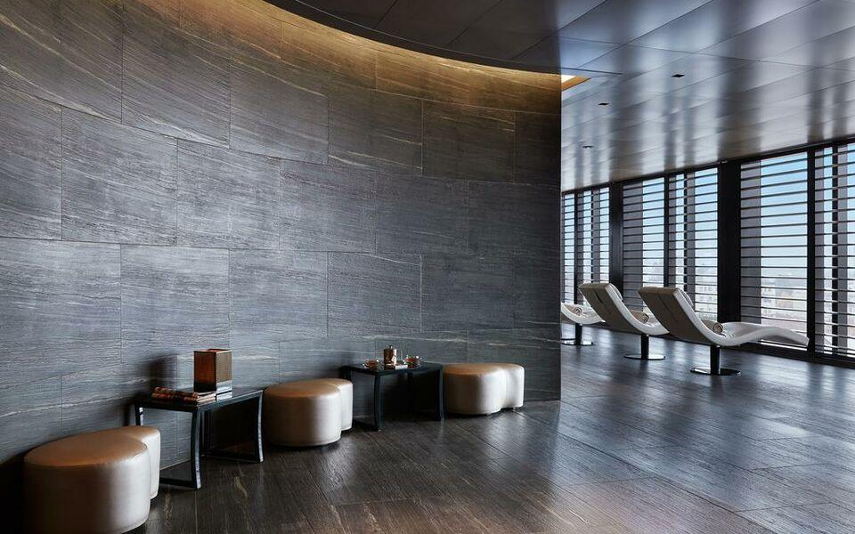 Armani hotel milano a design boutique hotel milan italy for Design hotel milano