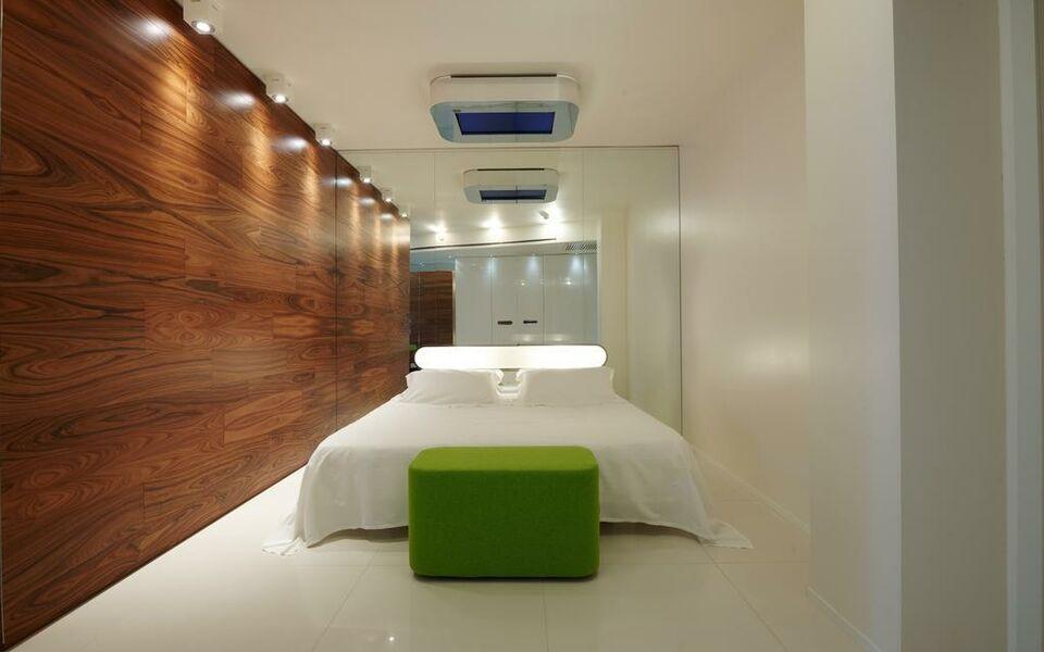 I suite hotel rimini italien for Design boutique hotel rimini