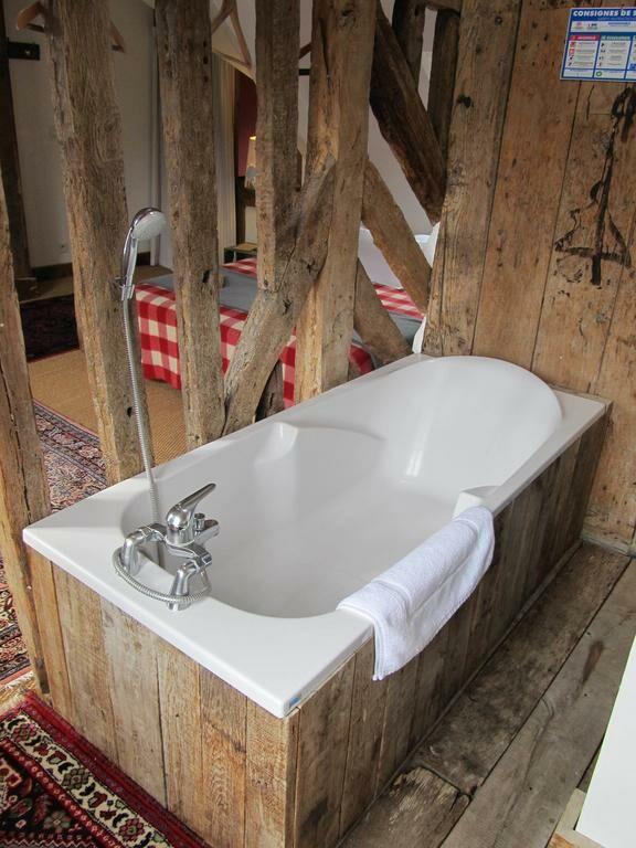 chambres d 39 h tes a l 39 ecole buissonniere honfleur frankreich. Black Bedroom Furniture Sets. Home Design Ideas