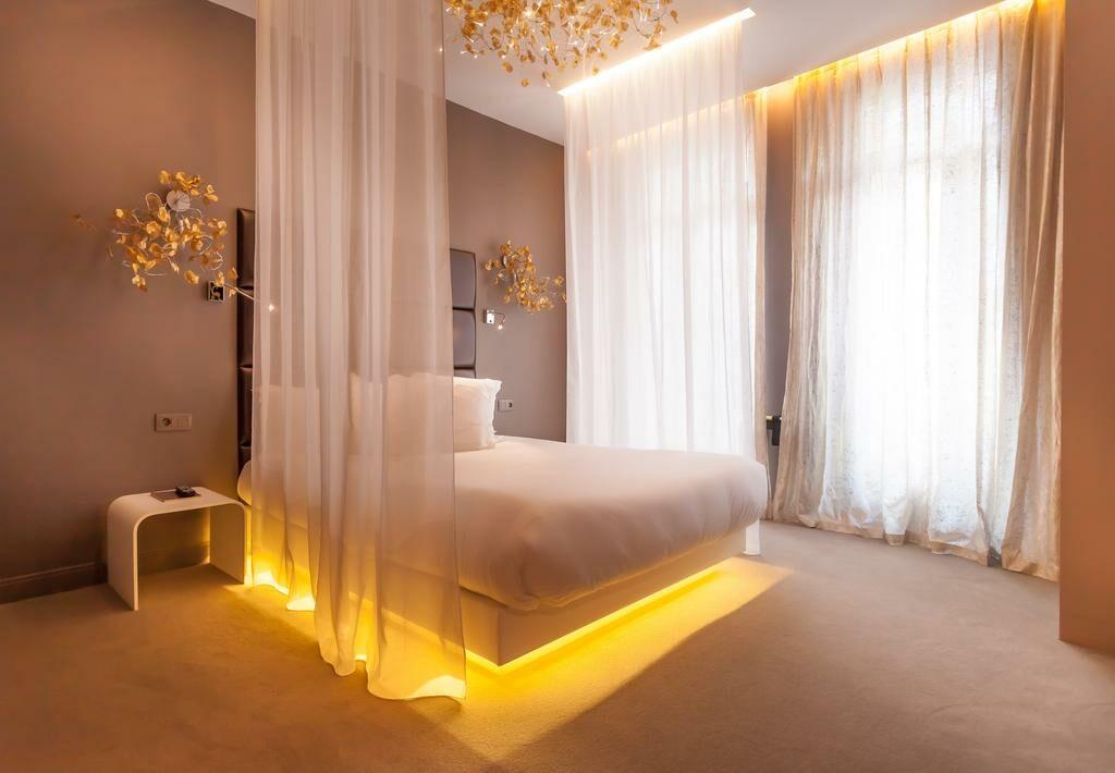 legend saint germain by elegancia paris frankreich. Black Bedroom Furniture Sets. Home Design Ideas