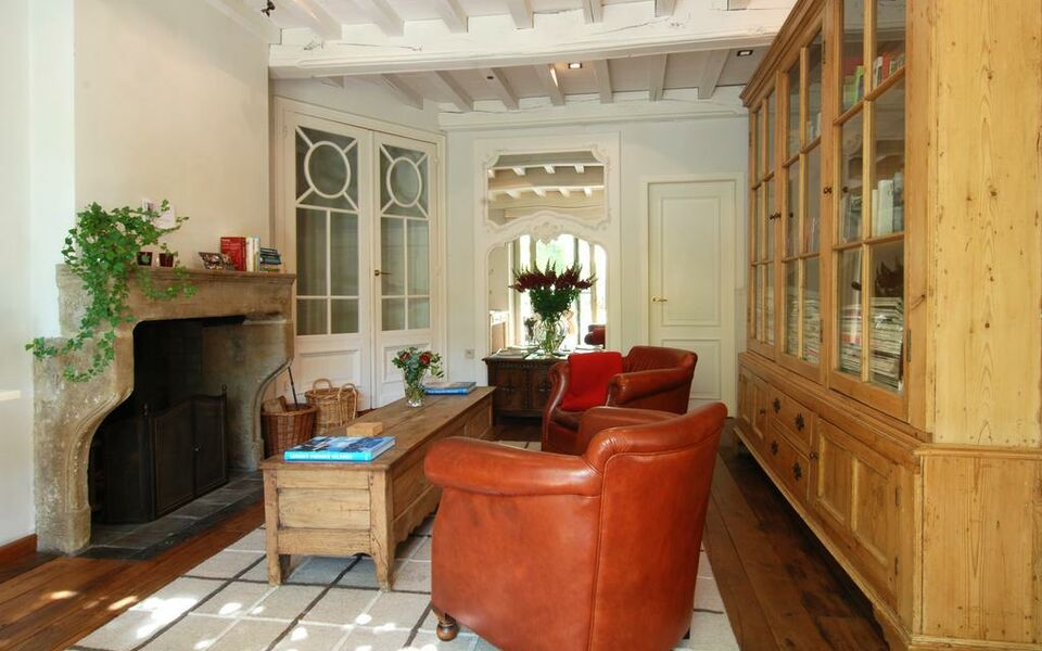 Number 11 Exclusive Guesthouse, Bruges (9)