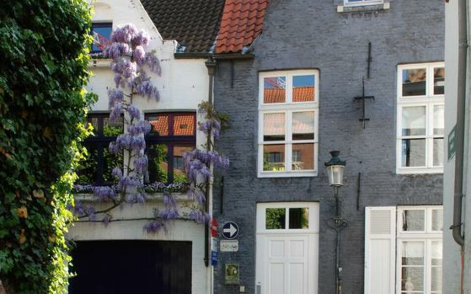 Number 11 Exclusive Guesthouse, Bruges (10)