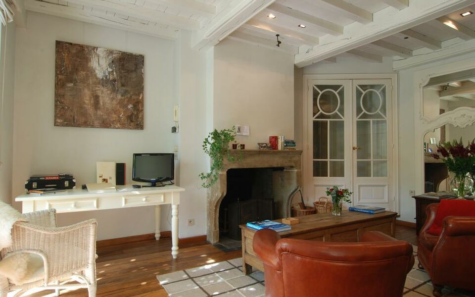 Number 11 Exclusive Guesthouse, Bruges (11)