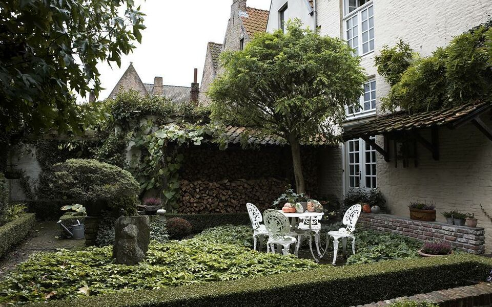 Number 11 Exclusive Guesthouse, Bruges (13)