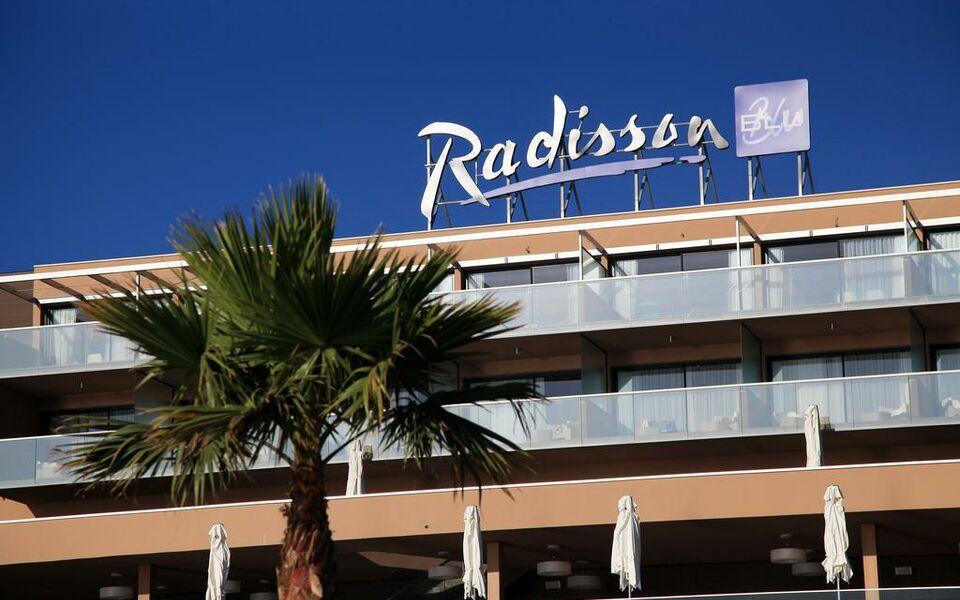 Radisson blu resort spa ajaccio bay a design boutique for Boutique hotel ajaccio